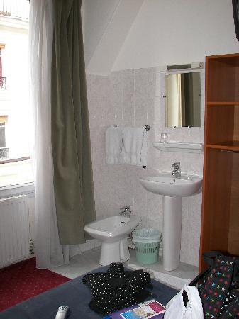 Hotel Liberty: Double Room with shared facilities
