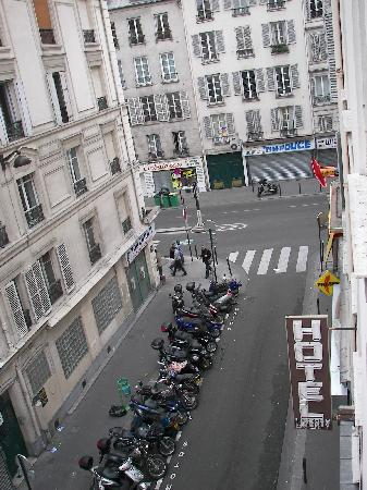 Hotel Liberty : Street outside (view from window)