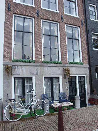 Amstel Canal Guest House: outside the appartment