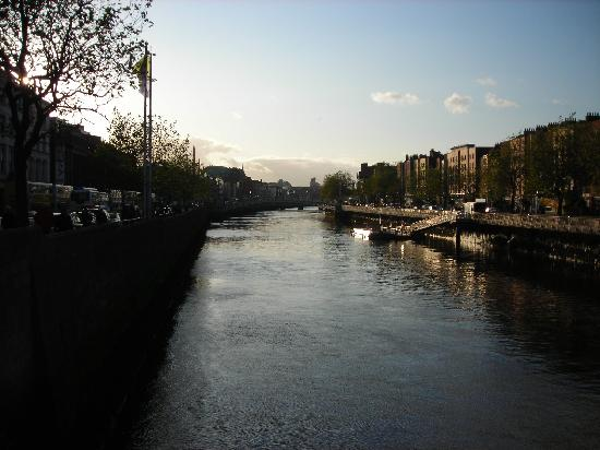 Paramount Hotel Temple Bar: River Liffey by day
