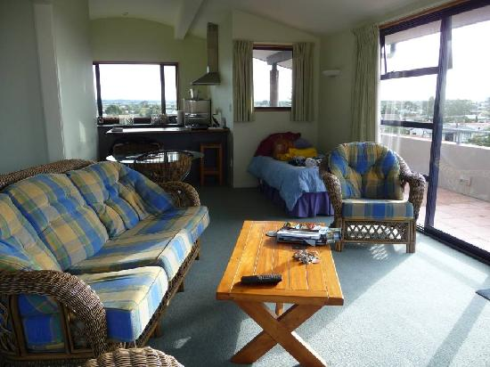 Boatshed Motel Apartments Mt. Maunganui: Living room