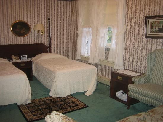 The Village Inn Bed and Breakfast: Room 16