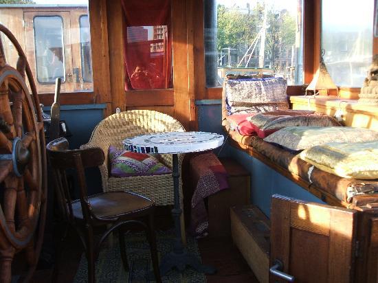 B&B Le Maroxidien: puente barco