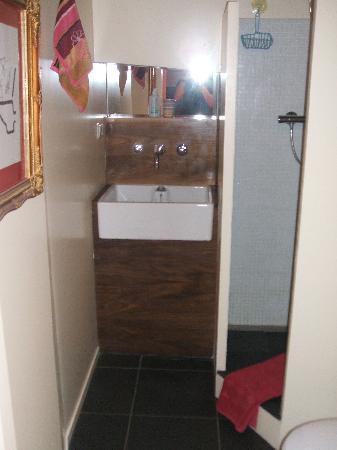 B&B Le Maroxidien: otro cuarto de baño