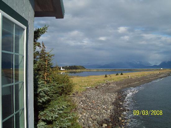 The Alaska Beach House: View from Deck towaward Homer Spit