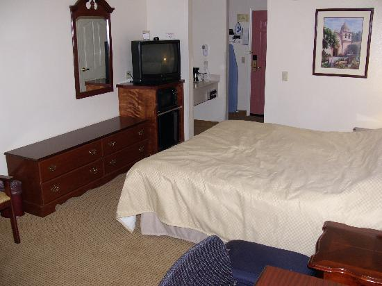 BEST WESTERN PLUS Salinas Valley Inn & Suites: Best Western Salinas interior