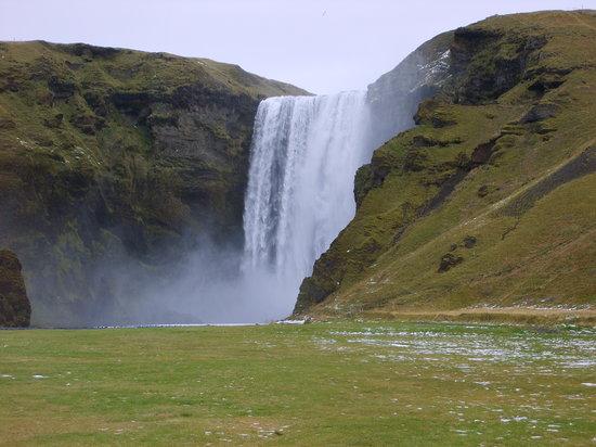 Ρέικιαβικ, Ισλανδία: Skogafoss