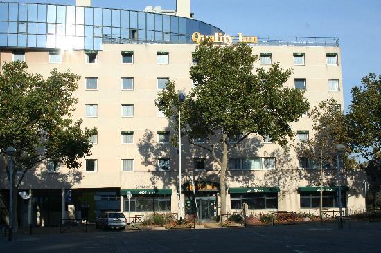 Qualys-Hotel Nanterre La Defense: vue extérieure de l'hötel