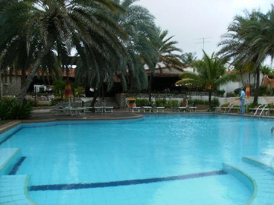Tropical Refuge : Otra vista de la piscina principal