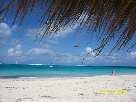 The Sands at Grace Bay: another beach shot