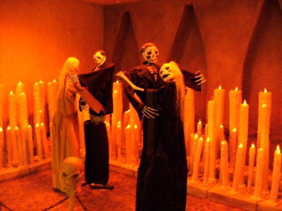 Hotel + Entrada Halloween