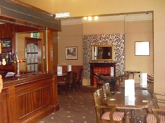 The Westleigh Hotel: the bar