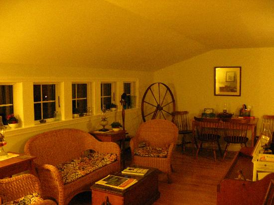 Bethel Hill Bed and Breakfast: sitting room