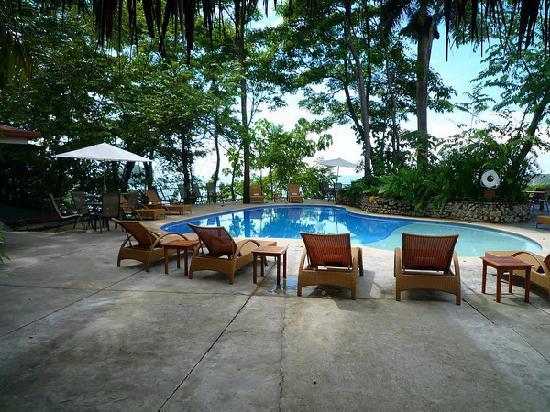 Arenas del Mar Beachfront and Rainforest Resort, Manuel Antonio, Costa Rica : Main pool.