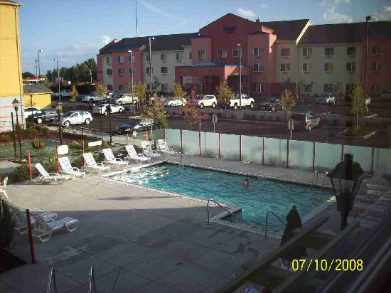 Residence Inn Portland North Harbor: Pool area