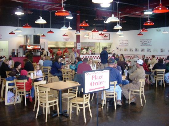 Five Guys Burger & Fries: Dining Room of Five Guys in Lynchburg