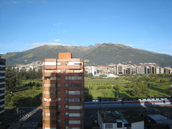 Hotel Dann Carlton Quito : View From Gym1