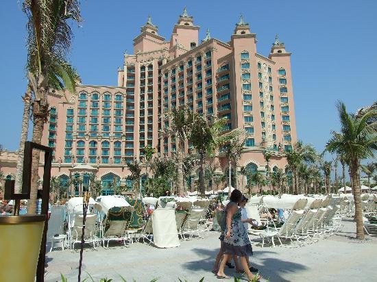 Atlantis, The Palm: View from zero entry pool
