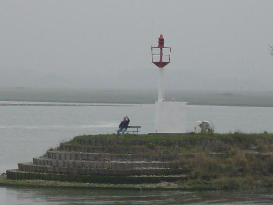 Сен-Валери-сюр-Сомме, Франция: Estuary and lighthouse