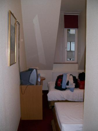Hotel Domstern: Single beds