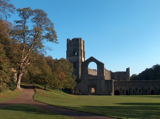 Crescent Lodge: Nearby Fountains Abbey