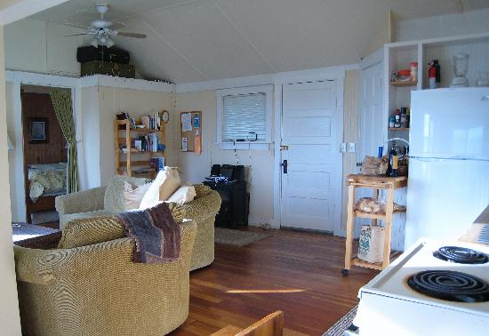 Blackberry Beach Cabins: inside the cottage