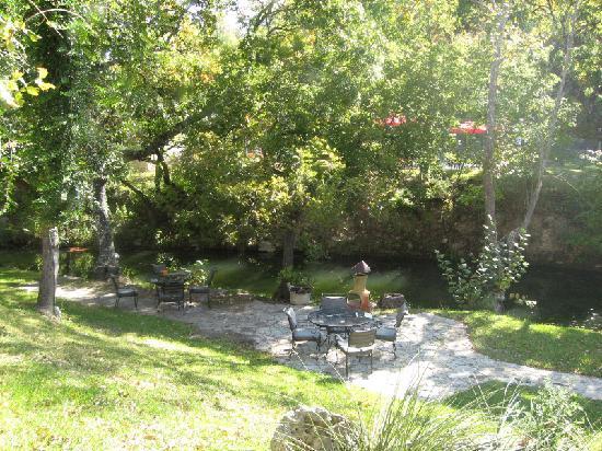 Escondida Resort: Patio area and chimeria