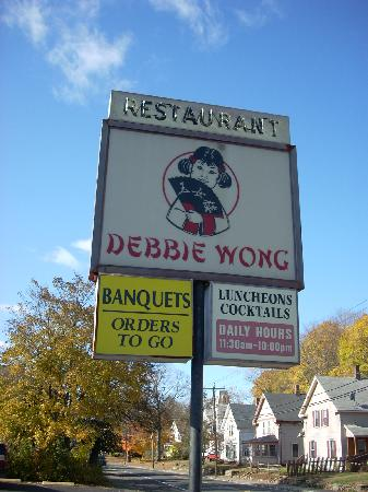 Debbie Wong Restaurant: The sign at Debbie Wong.
