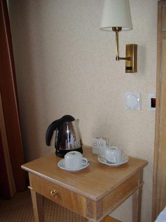 Riviera Hotel Carcavelos : Servicio de habitación