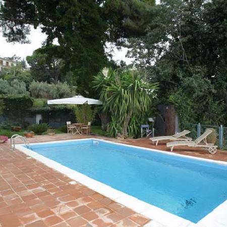 Villa Etelka Bed and Breakfast: pool