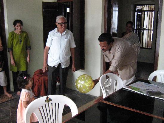 Snehadhara Homestay: Salim and family made us feel at home.