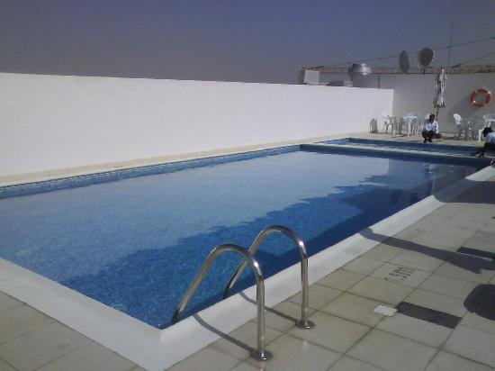 Premier Inn Dubai Investments Park Hotel: pool