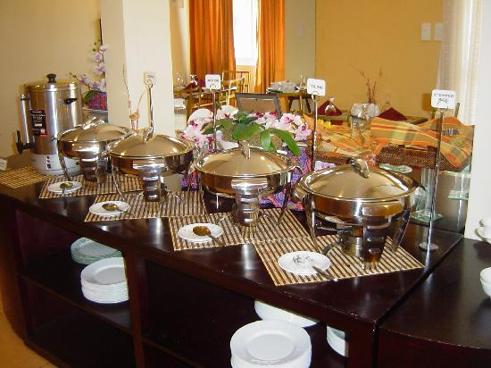 Microtel Inn & Suites by Wyndham Davao: Good buffet breakfast