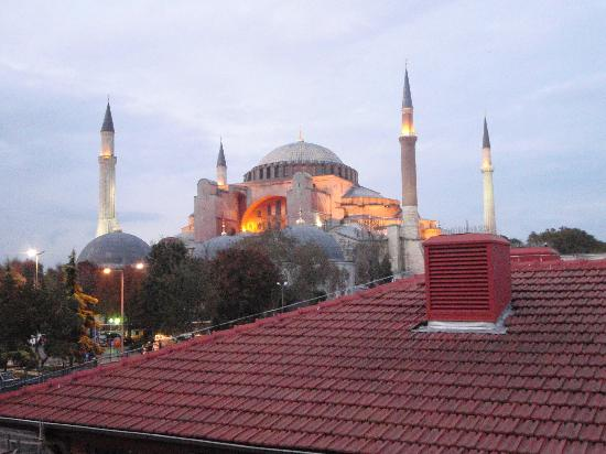 Med Cezir Hotel: view from terrace of hagia sofia