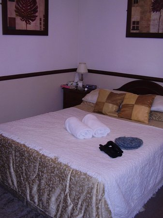The Masons Arms: Room No 4, clean and complact with ensuite