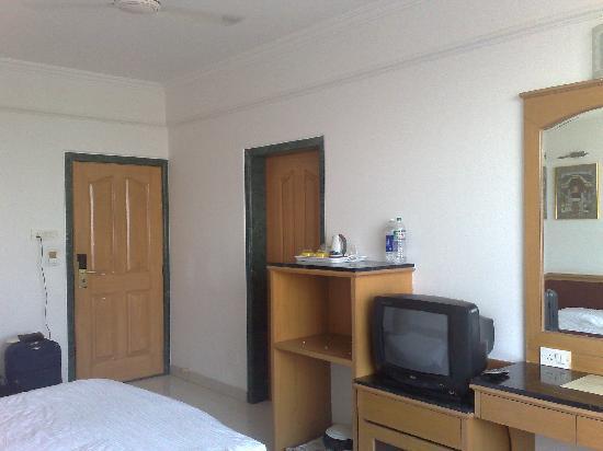 Hotel Golden Emerald : Room facilities