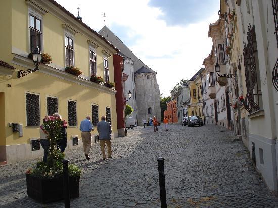 Gyor, Ungarn: Historical street