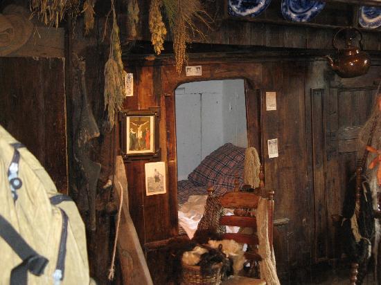 พิพิธภัณฑ์กลางแจ้งเนเธอแลนด์และพิพิธภัณฑ์มรดกแห่งชาติ: inside early farmhouse