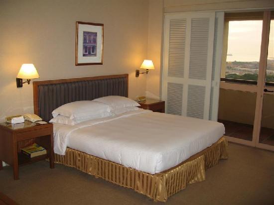 Hotel Equatorial Melaka: Club Room