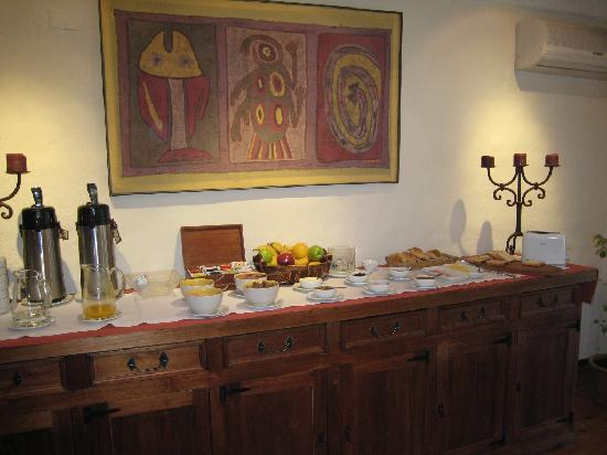 Lares de Chacras: Breakfast and dining area