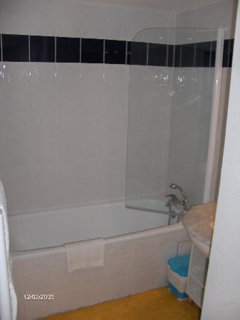 ResidHotel Grenette: bathroom