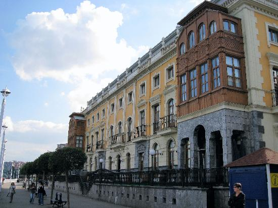 Gran hotel puente colgante portugalete espa a for Hotel puente colgante