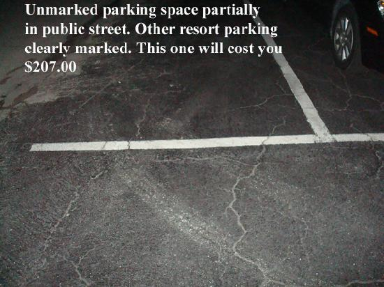 Siesta Beach Resort & Suites: Questionable parking