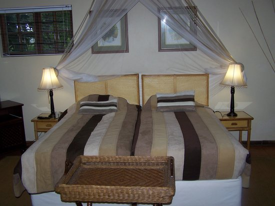 Seasands Lodge and Conference Centre: Our lovely bedroom