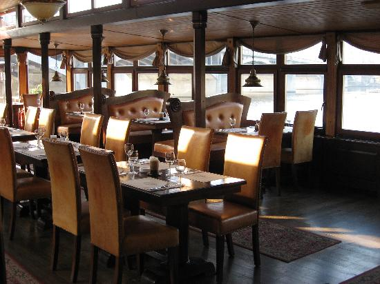 Botel Matylda: The restaurant