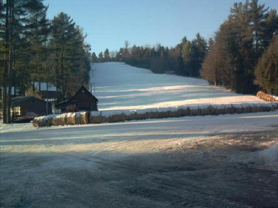 Ridin-Hy Ranch Resort: The Ski Hill