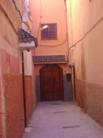 Riad Porte Royale : Streets around the Riyad