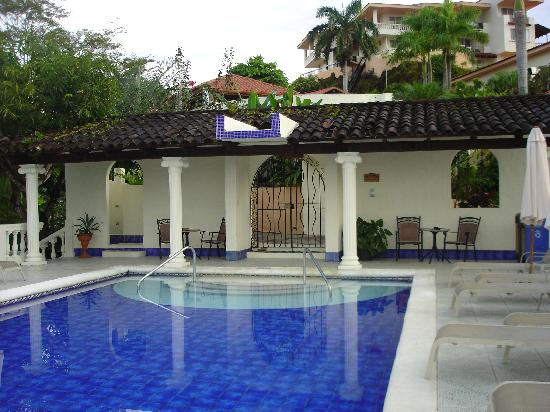 Parador Resort and Spa : Adult pool
