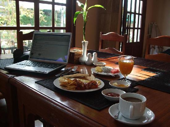 Soria Moria Boutique Hotel: In the restaurant- time for breakfast.