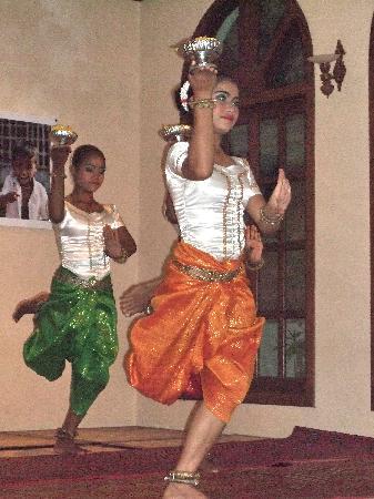 Soria Moria Boutique Hotel: Apsara dance in Soria Moria